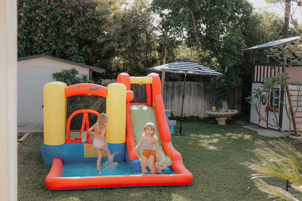 jump and splash adventure bounce house kids play