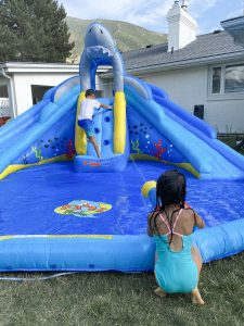 shark tank water slide dual water gun kids play